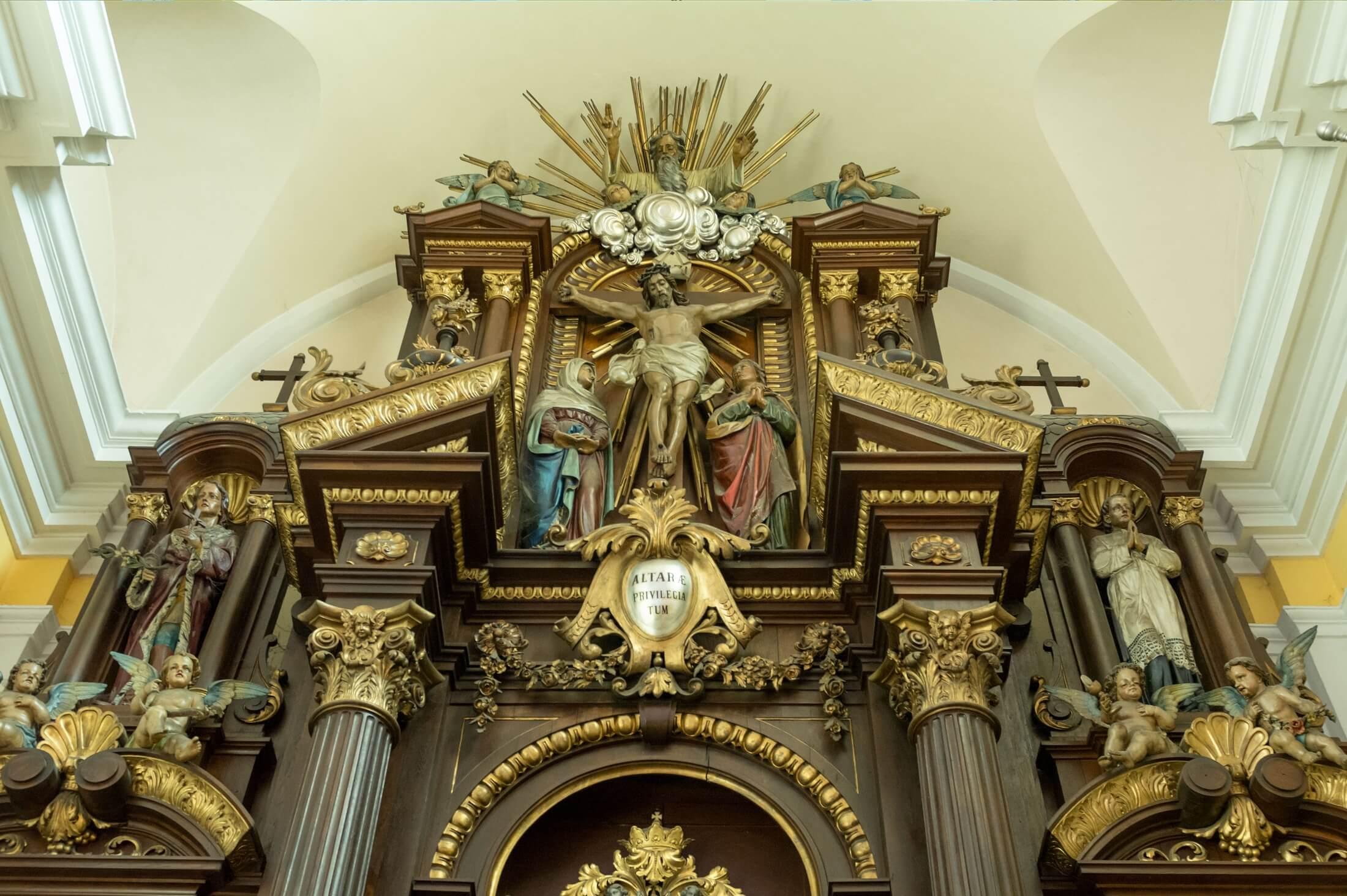 Laikat i duchowiestwo w Kociele katolickim w Polsce: